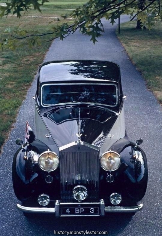 Limousine Touring à sept places 1953 de Hooper Chassis 4BP3, carrosserie 9891, design 83 ...