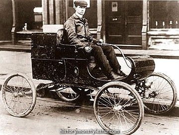 Oldsmobile, Gas Buggy Olds Car 1901 Cette petite voiture Oldsmo ...
